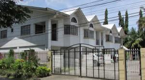 3-door apartment