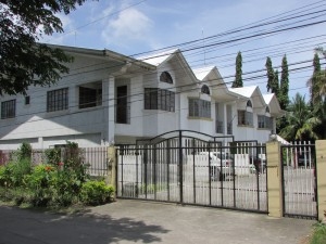 beautiful 3-door apartment for sale in bacolod | bacolod